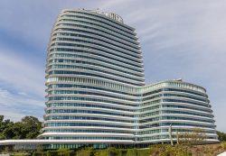 Gerda-van-der-Vegt-Stad-Groningen-DUO-gebouw-ook-wel-genoemd-Cruiseschip